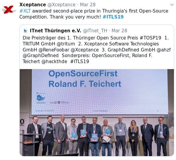 Alt tag: The image shows a Twitter message about the Thuringian open source award. It includes a group photo showing all the winners, who are standing in a row on stage under a display that shows the slogan Open Source First.